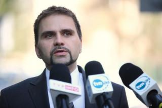 Prof. Pyrć: Jeżeli szybko nie powstrzymamy pandemii, mogą pojawić się warianty odporne na szczepienia