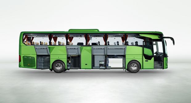 Mercedes Tourismo. Wersja o długości 12 m z 49 fotelami