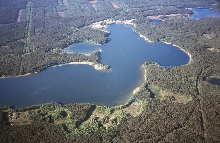 Tajemniczy zaginięcie mężczyzny  nad jeziorem Wdzydzkim