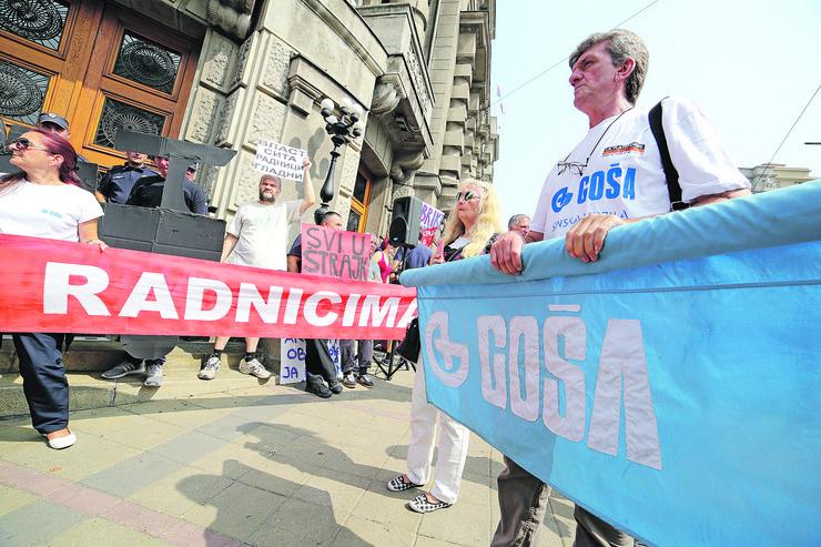 Protest Radnika Gose_220817_RAS foto Uros Arsic12
