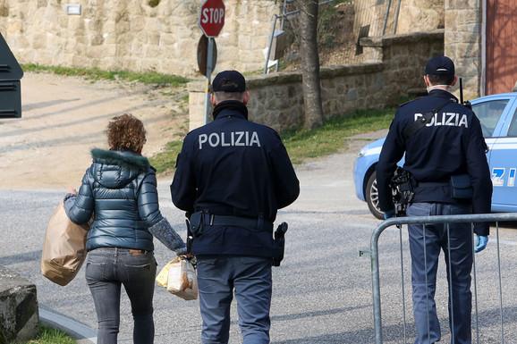 Policija sa maskama u Padovi