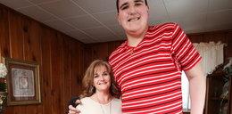 Ten nastolatek ma 238 cm i wciąż rośnie!