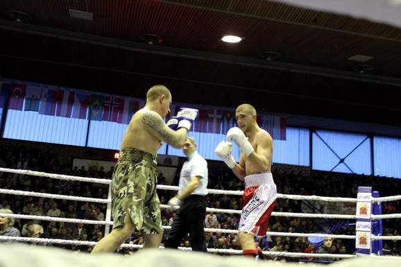 Krastjo Jordanov i Veljko Ražnatović u ringu