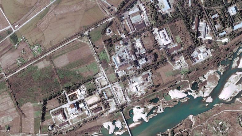 Zdjęcie satelitarne reaktora w Jongbion