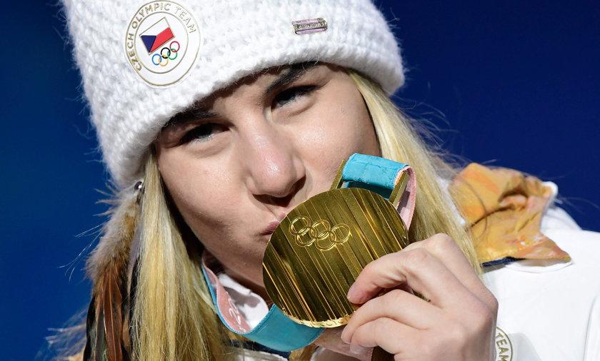 Zdobyła mistrzostwo na pożyczonych nartach