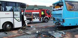 Wypadek autokarów pod Bełchatowem. Ranne dzieci