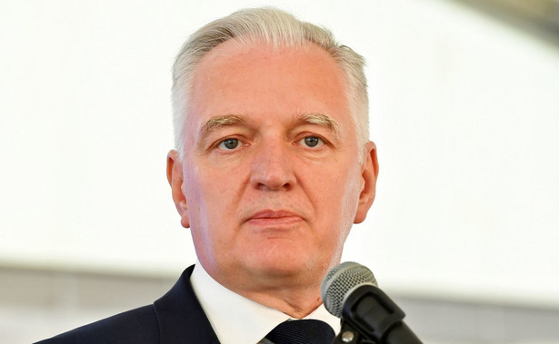"""Gowin ocenił, że Zjednoczona Prawica w wyborach do sejmiku Mazowsza odniosła """"bardzo zdecydowane zwycięstwo"""". PiS zdobyło w nich 24 mandaty, Koalicja Obywatelska – 18, PSL – 8, a Bezpartyjni Samorządowcy - 1."""