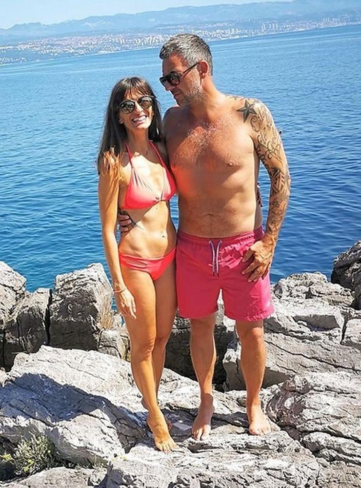Sandi Cenov sa sadašnjom suprugom