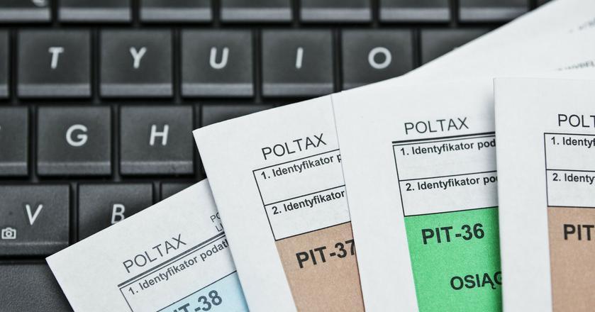 PIT-38 rozliczamy np. w przypadku uzyskania przychodów z tytuły odpłatnego zbycia akcji