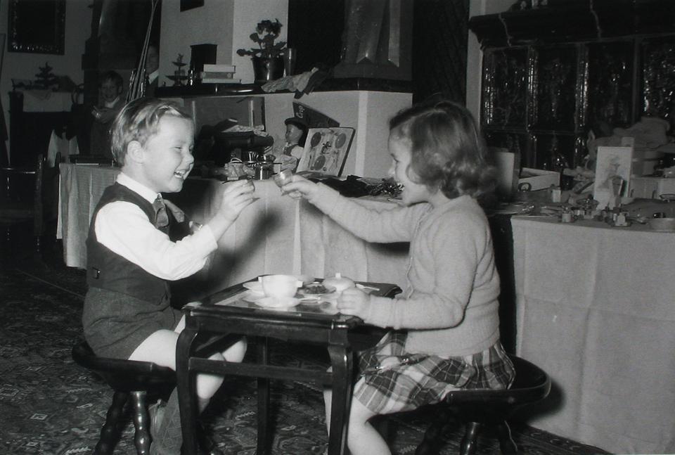 Austria. Fritz Mayr-Melnhof i Teresa Sayn-Wittgenstein podczas Świąt Bożego Narodzenia, 1956 r.