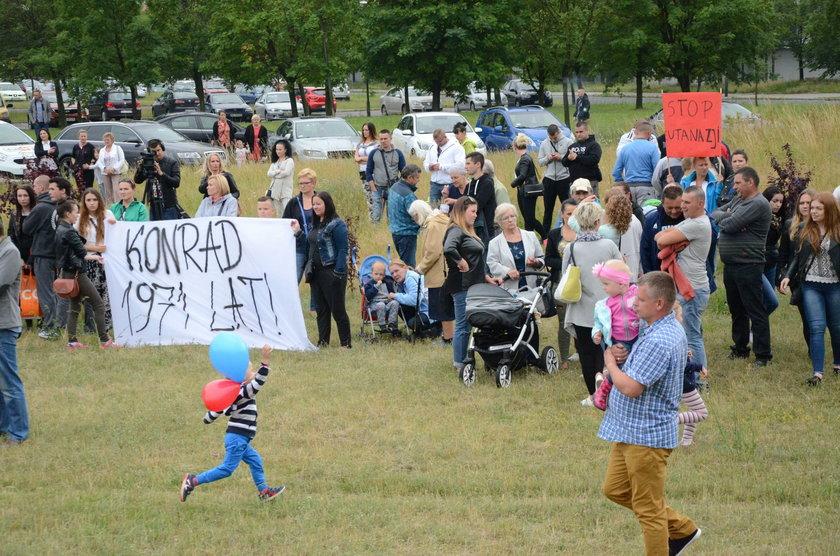 Protest przed szpitalem w Legnicy