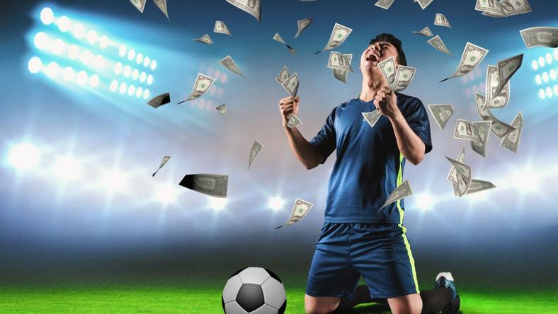 Piłka nożna, piłkarz, pieniądze