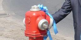 Uroczyste otwarcie hydrantu. Lepiej niż za Gierka