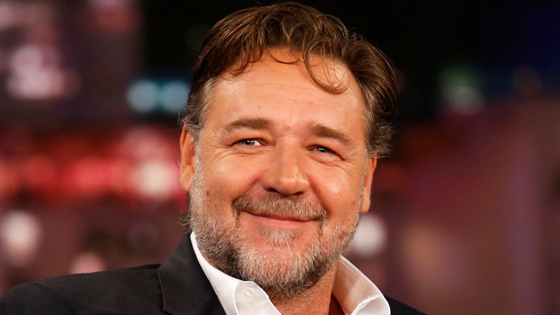 Russell Crowe is unhappy with the plan to present some Oscars during TV ad breaks. [New idea]