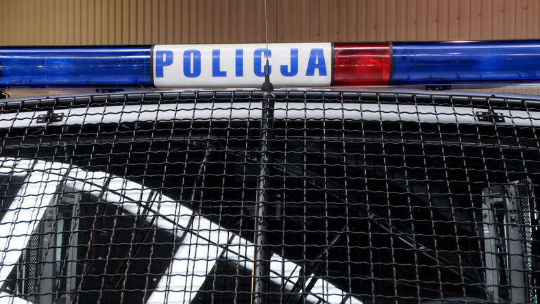 Policyjny kogut na radiowozie