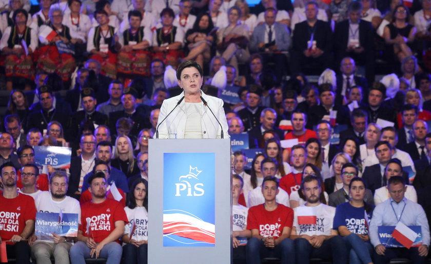 Była premier obiecała, że najniższe emerytury wzrosną do 1200 zł brutto