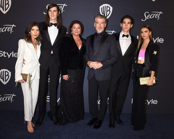 Pirs Brosnan sa porodicom