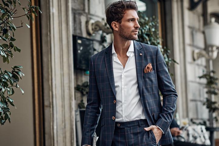 Elegancka moda męska. Jak się ubrać na specjalną okazję?