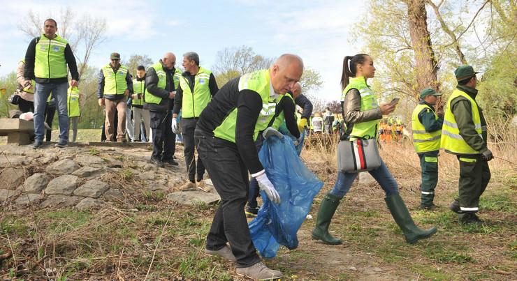 Akcija čišćenja priobalja Goran Vesić Grad Beograd