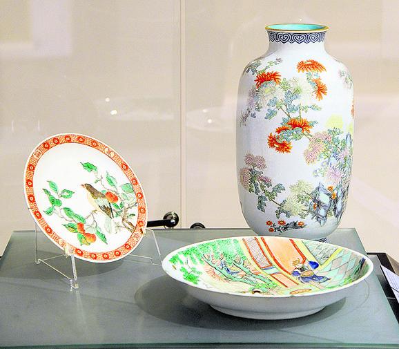 Zapanjujuće je u koje tančine je dekorisan i oplemenjen i najmanji predmet