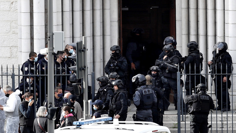 Francja. Atak nożownika