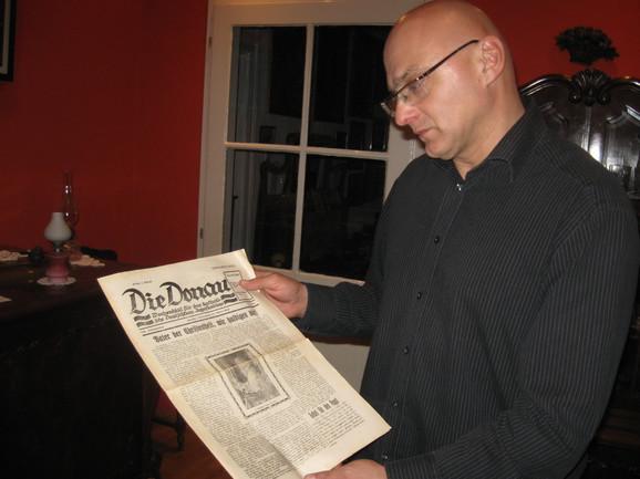 Boris Mašić sa primerkom časopisa