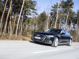 Audi A8 - jeździć czy być wożonym?