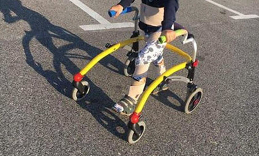 Złodziej ukradł samochód, a wraz z nim sprzęt rehabilitacyjny 7-letniego Mateusza