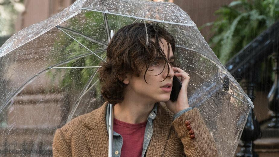 """""""W deszczowy dzień w Nowym Jorku"""" - kadr z filmu"""