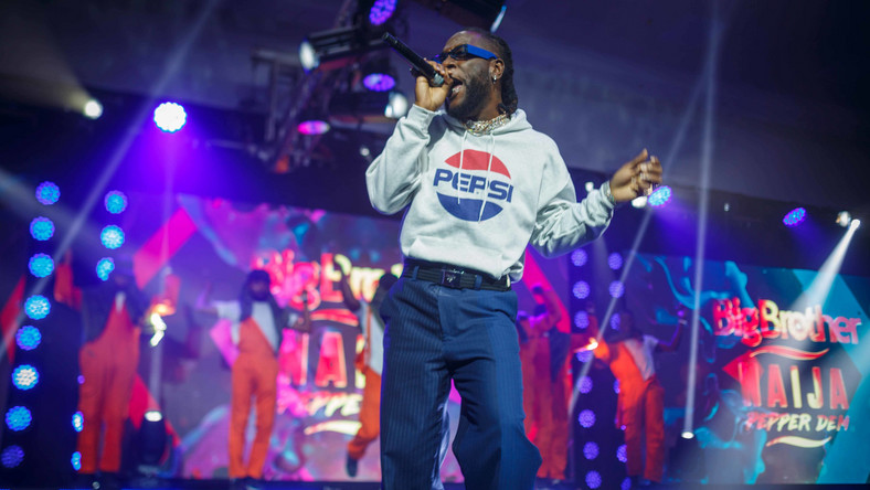 Burna Boy stole the show at the premiere of BBNaija in Lagos [BHM]