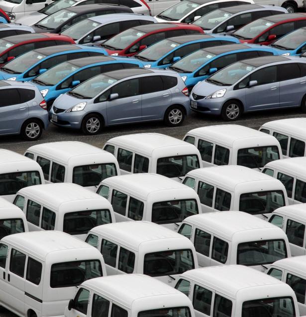 Ministerstwo chce wprowadzić zmiany w VAT, zgodnie z którymi przy zakupie samochodu o masie do 3,5 tony firma mogłaby odliczyć 60 proc., ale nie więcej niż 6 tys. zł VAT zawartego w cenie pojazdu.