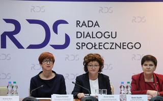 Biedroń chce ujawnienia zarobków i zakresu kompetencji wicepremier Beaty Szydło