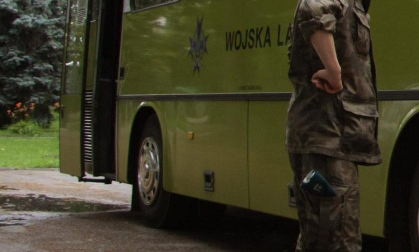 Rozbił się autobus z żołnierzami. Wielu rannych