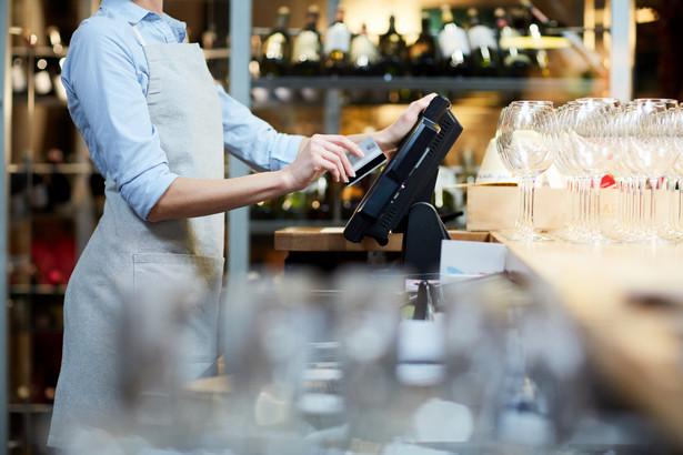 Firmy z branży gastronomicznej apelują o dopłaty