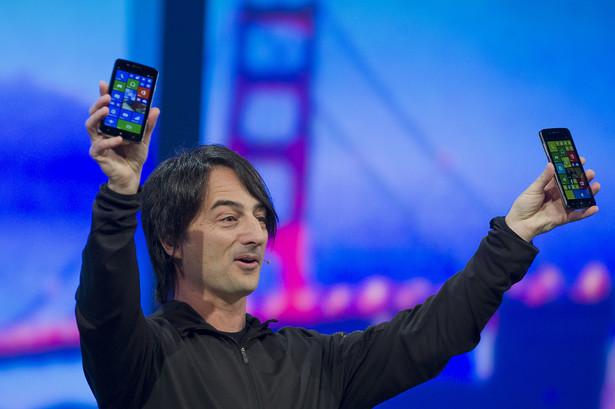 Joe Belfiore prezentuje smartfony z systemem Windows Phone 8.1.