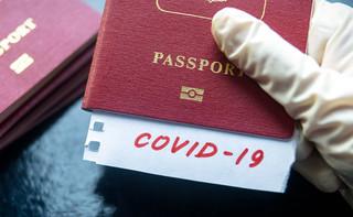 Nie ma podstawy prawnej do sprawdzania paszportów covidowych