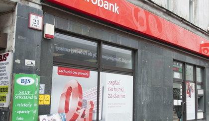 Znany bank zniknie z Polski? Szykuje się przejęcie