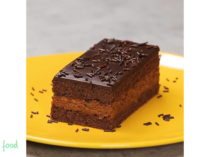 Skotska crna sendvic torta