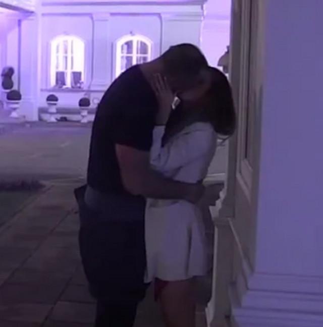 Maja i Alen, prvi poljubac