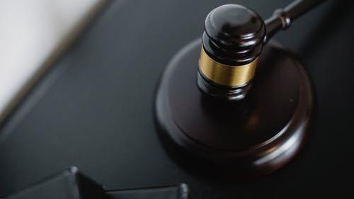 """Borkai-ügy: vádat emeltek az """"ördög ügyvédje"""" ellen"""