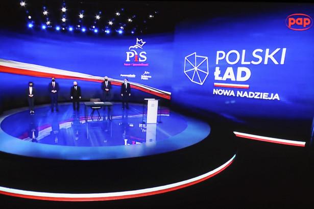 Jarosław Kaczyński, Mateusz Morawiecki, Elżbieta Witek, Jarosław Gowin, Zbigniew Ziobro podczas prezentacji Polskiego Ładu w maju br.
