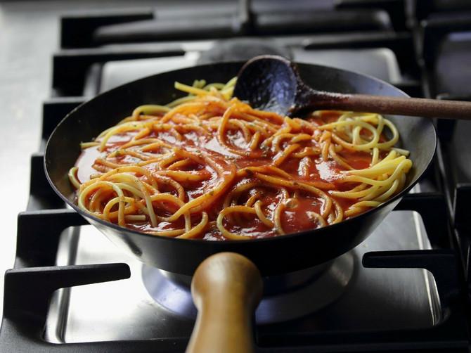 Špagete sa paradajz sosom