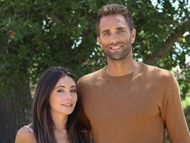 Kažu da NIKO NIKADA nije dobio LEPŠU DECU na čitavom svetu od ovih roditelja! Da li su ove BLIZNAKINJE zaista anđeoskog izgleda?