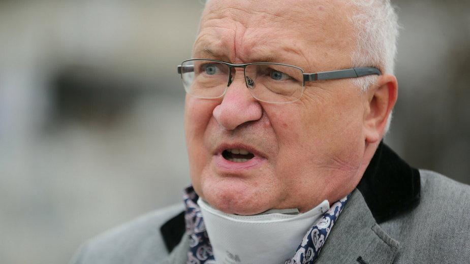 Prof. Krzysztof Simon o zniesieniu obostrzeń