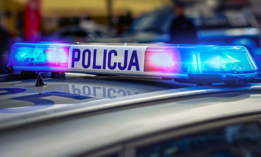 23-latek chciał wysadzić auto pod komisariatem w Warszawie