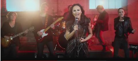 Aleksandra Radović prepevala Zaninu pesmu! (VIDEO)