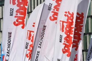 Emerytura stażowa. Solidarność złożyła w Sejmie podpisy za projektem obywatelskim