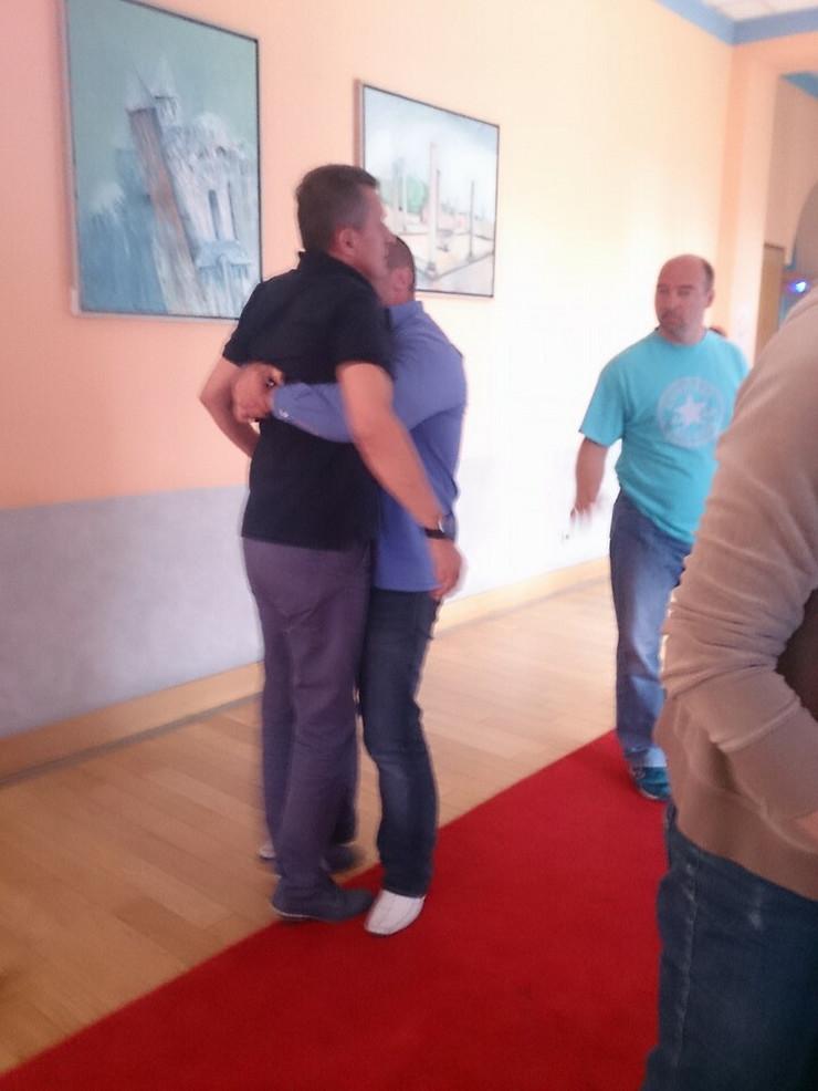 DRŽI ME ČVRSTO Cirkus u Zaječaru: Obezbeđenje sprečava