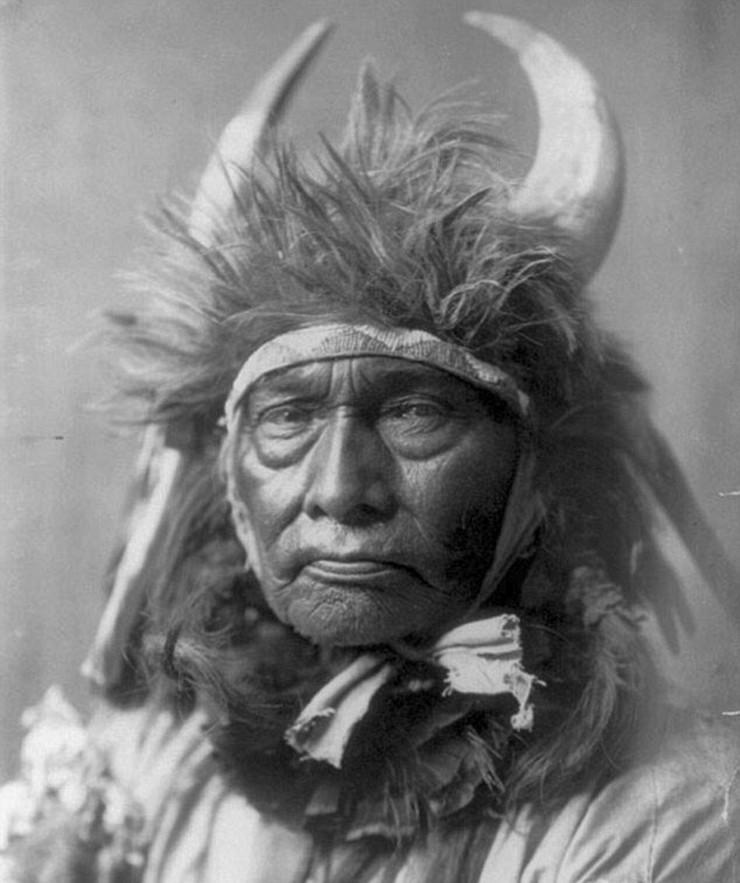 Indijanci na fotografiji i slici - Page 30 R4ek9lLaHR0cDovL29jZG4uZXUvaW1hZ2VzL3B1bHNjbXMvT1RZN01EQV8vYWJkMDA2N2M4ZDA2ZGVkZDI5Zjg4OGU4N2NkNjUyNWUuanBnkZMCzQLkAIEAAQ
