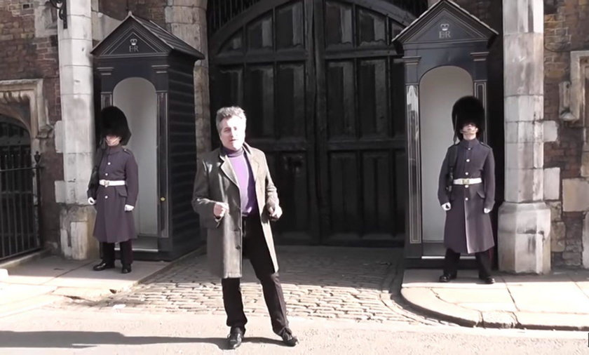 Francuski turysta wyprowadził z równowagi strażnika Gwardii Królewskiej